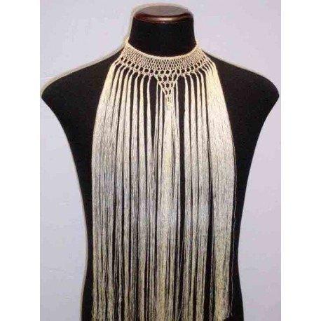Collar realizado en rayon con flecos.