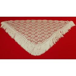 Pañoleta con fleco fabricada en rayon de diseño triangular.